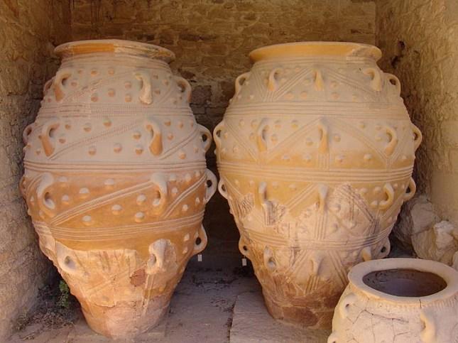Pithoi Knossos 2