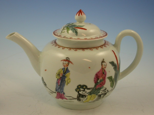 1st period Worcester Porcelain Teapot decorated with chinese figures c 1770