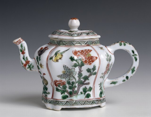 Chines Decorated Teapot  cl720 Qing Dynasty