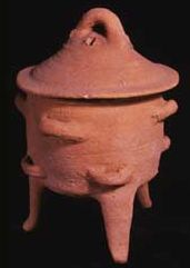 Tripod Cooking pot fro Knossos. Courtesy The Ashmolean Museum